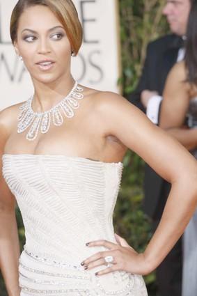 Beyonce-joseph-schubach-custom-design-jewelry